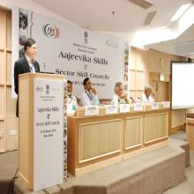 Shri Dilip Chenoy, CEO & MD, NSDC addressing the gathering
